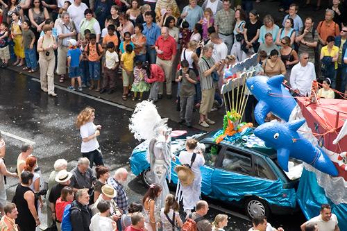Karneval der Kulturen: Delphine