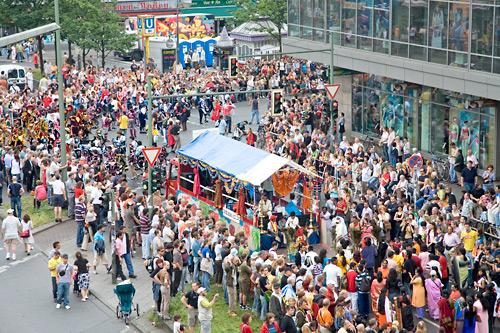 Karneval der Kulturen: Masse